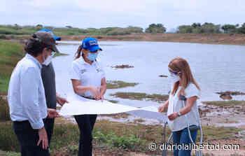 Por fuerte olor y coloración en el agua los habitantes de Luruaco exigen un mejor servicio de agua potable - Diario La Libertad