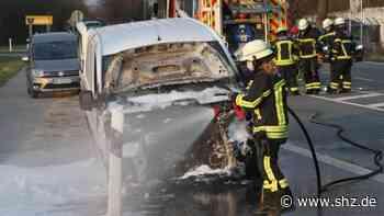 Glinde: Handwerker-Fahrzeug gerät nach technischem Defekt in Brand   shz.de - shz.de