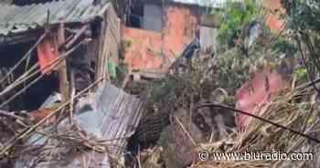 Creciente de quebrada en Suaita, Santander, tiene a 13 familias a punto de perder sus casas - Blu Radio