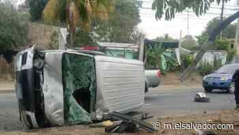 Gestor de tráfico lesionado en accidente de tránsito en carretera de Quezaltepeque - elsalvador.com