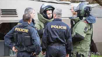 Moskau in Anschlag verwickelt?: Prag weist 18 russische Diplomaten aus