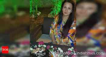 Poonam Dhillon starts her bday celebration