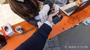 """QR-Code am Handgelenk: """"Papierticket kann keine Lösung sein"""""""