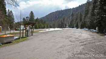 Bürokratie-Posse: Parkplatz-Toilette am Walchensee beschäftigt Juristen - Merkur Online