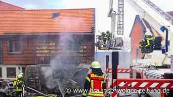 Brennender Lieferwagen entzündet Haus und drei Autos bei Goslar