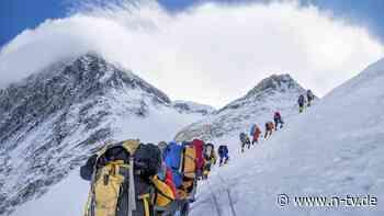 Ende der Corona-Ruhe: Mount Everest erlebt neuen Ansturm