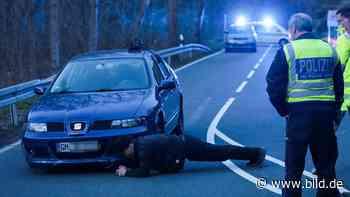 Radevormwald: Polizei stellt tödlichen Unfall nach - BILD