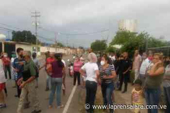 Más de dos semanas sin agua tienen vecinos de Calicanto, Carora - La Prensa de Lara