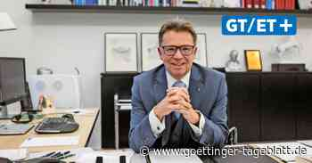 Uni-Präsident Volker Epping rechtfertigt Polizei-Dozenten