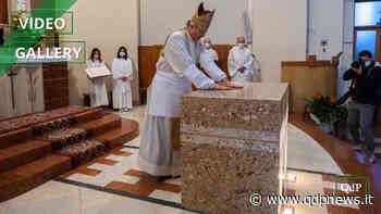 Volpago del Montello, il vescovo di Treviso monsignor Michele Tomasi ha consacrato il nuovo altare di Santa Maria della Vittoria - Qdpnews