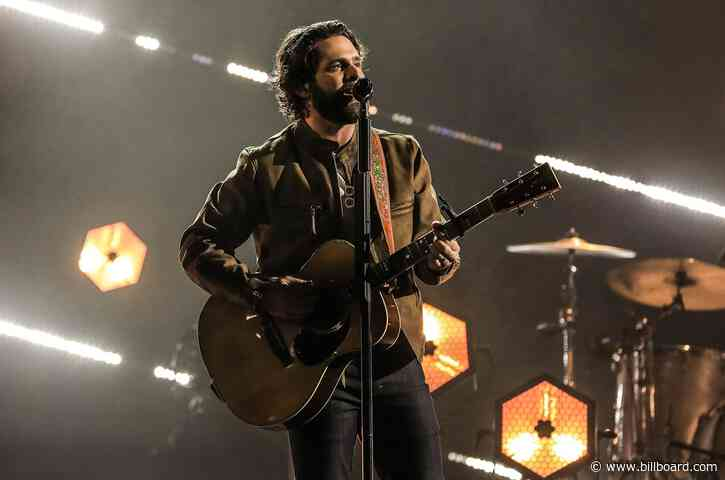 Thomas Rhett Brings a Pair of 'Country' Songs to the 2021 ACM Awards