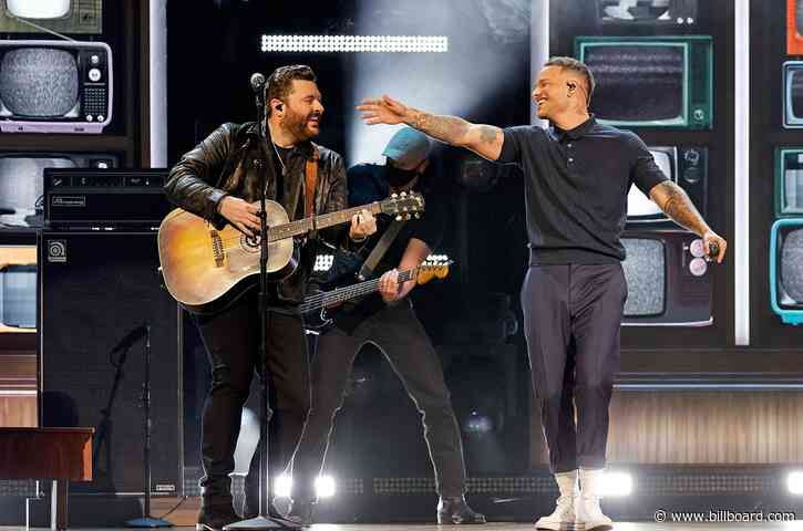 Kane Brown and Chris Young Rock Out to 'Famous Friends' at the 2021 ACM Awards