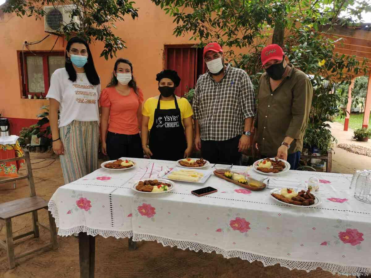Yabebyry: mujeres y clientas del CAH producen chorizo y hamburguesa de pescado   - ip.gov.py