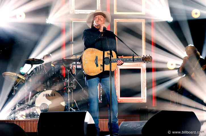 Alan Jackson Brings Emotional Parentally Themed Medley to the 2021 ACM Awards