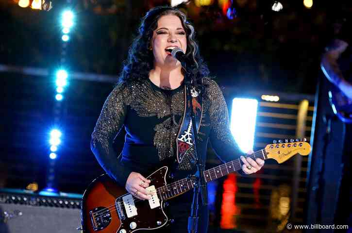 Ashley McBryde Performs 'Martha Divine' From a Floating River Stage at the 2021 ACM Awards