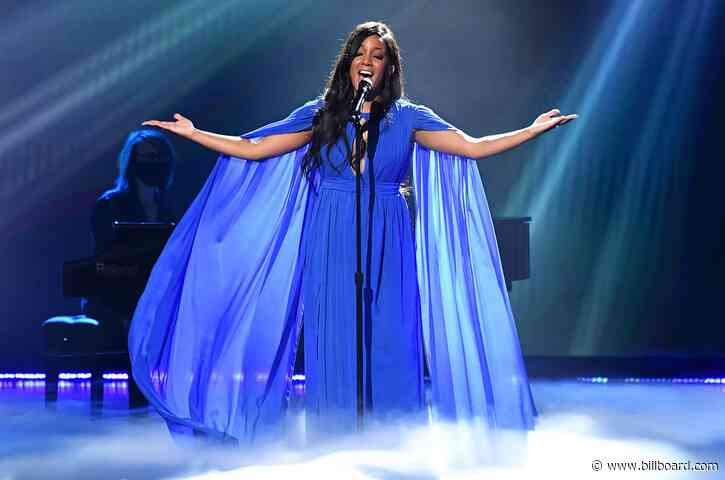 Mickey Guyton Delivers a Heavenly Performance of 'Hold On' at the ACM Awards 2021