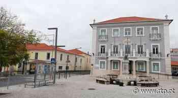 Portugal desconfina aos poucos, exceto em 10 concelhos. Marinha Grande é um deles - RTP