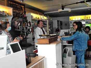 """St. Blasien: Apotheker Alexander Dehm spielt sich selbst im Film """"Wann kommst du meine Wunden küssen?"""" - SÜDKURIER Online"""