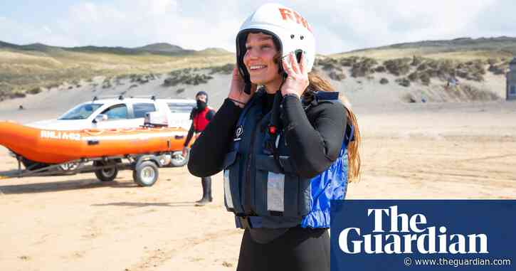 'Respect the water': RNLI lifeguard training in Cornwall