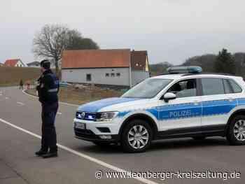 Zwei Tote in Weilerbach: Leichenfund in Gehöft: Polizei fahndet weiter nach Sohn - Leonberger Kreiszeitung