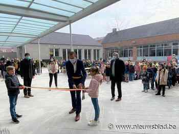 """Nieuwe school Vinderhoute geopend maar het werk is nog niet af: """"Volgend jaar ook nieuwbouw op Eeksken"""""""