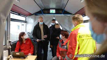 Corona in Oberspreewald-Lausitz: So verlief der erste Impfbus-Tag in Tettau - Lausitzer Rundschau
