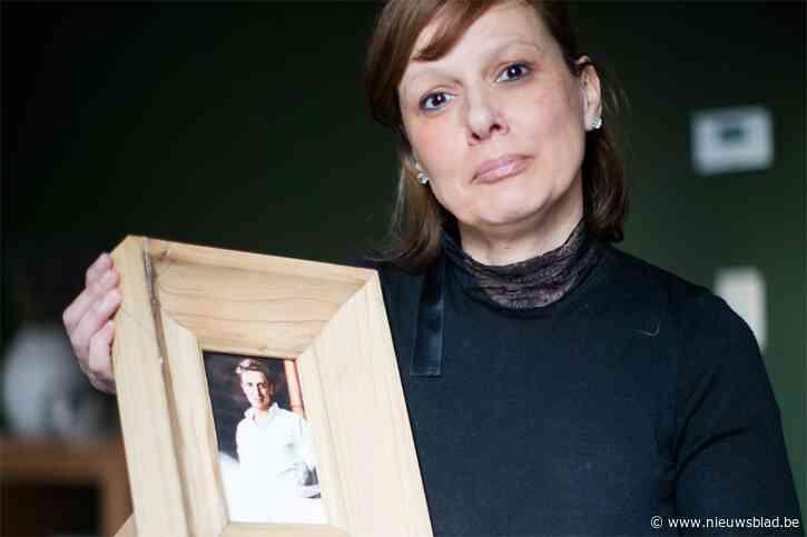 """Moeder van verongelukte Jens (20) houdt striemend pleidooi tegen 'rampfotografen': """"Door die ene foto kan ik nu geen gelukkige zoon meer voor me zien"""""""