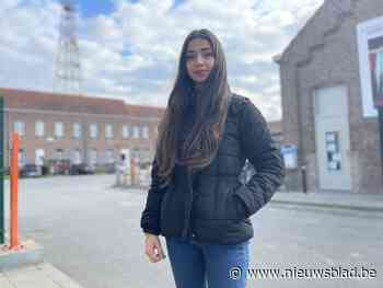 """Asielzoekers zoals Shaghayegh (20) willen aan de slag als vrijwilliger in vaccinatiecentrum: """"Ons steentje bijdragen"""""""