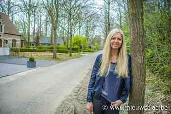 """Gemeente deelt bomen uit om te planten in de voortuin: """"Alleen samen kunnen we onze gemeente klimaatrobuust en groen maken"""""""