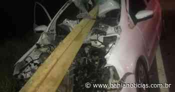 Brumado: Passageira fica em estado grave em acidente; ferro de proteção de ponte atravessou veículo - Bahia Notícias