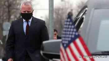 Inmitten von Spannungen: US-Botschafter verlässt fürs Erste Moskau