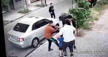 Villa Ballester: ladrones atacaron y asaltaron a un hombre delante de su hijito - Crónica