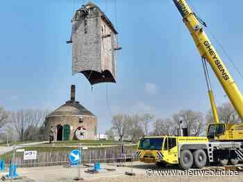 """Oude molen stond op instorten en werd nu volledig ontmanteld, restauratie is voor volgend jaar: """"Pas derde keer in twintig jaar dat we zo'n project uitvoeren"""""""