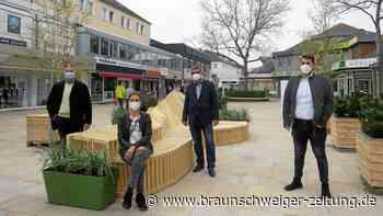WMG wertet Porschestraße bis August mit Blumen und Sitzmöbeln auf