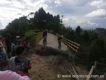 Comenzó la demolición del Puente Salón Rojo en Aranzazu - BC NOTICIAS - BC Noticias