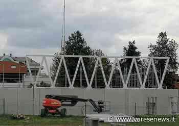 Il Palazzetto dello Sport di Olgiate Olona sbuca dal muro di cinta - varesenews.it