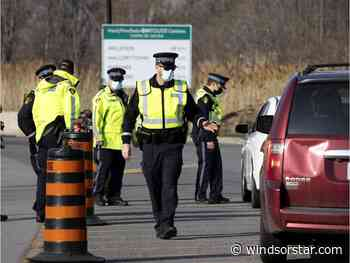 Border checkpoints go into effect between Quebec and Ontario - Windsor Star
