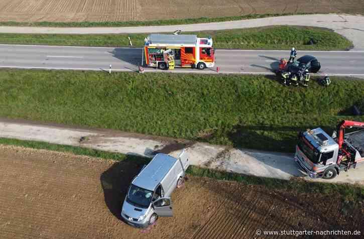 Ispringen im Enzkreis - Zwei Fahrer bei Unfall schwer verletzt – Verursacher flüchtet - Stuttgarter Nachrichten