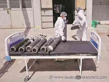 Coronavirus LIVE: India records 300,000 new cases amid oxygen shortage - Business Standard