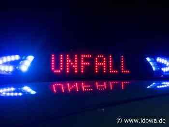 Unfall bei Schierling - Sekundenschlaf: Autofahrer (19) fährt auf Lkw auf - idowa
