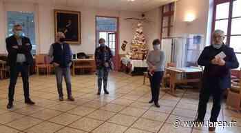 Le personnel de l'hôpital Lebrun félicité - Neuville-aux-Bois (45170) - La République du Centre