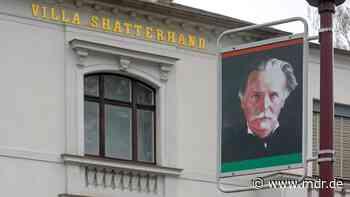 Skalp aus Karl-May-Museum in Radebeul an US-Generalkonsul übergeben | MDR.DE - MDR