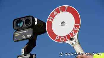 34 Fahrzeuge mit überhöhter Geschwindigkeit: Polizei kontrolliert in Tittmoning auf der B20 - chiemgau24.de