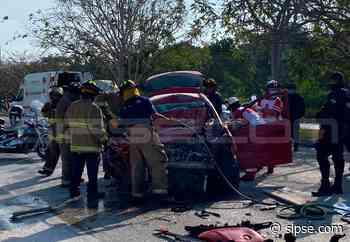 Playa del Carmen: Rescatan a tres prensados en aparatoso accidente carretero - sipse.com
