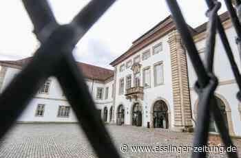 Rechtsbeugung im Landratsamt Esslingen: Beamtin lässt Strafzettel verschwinden - esslinger-zeitung.de