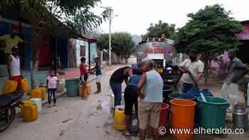 Agua con barro y mal olor llega a las casas en Luruaco - EL HERALDO