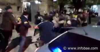 Video: brutal linchamiento en Gerli mientras detenían a una pareja acusada de violar y prostituir a una nena de su familia - infobae