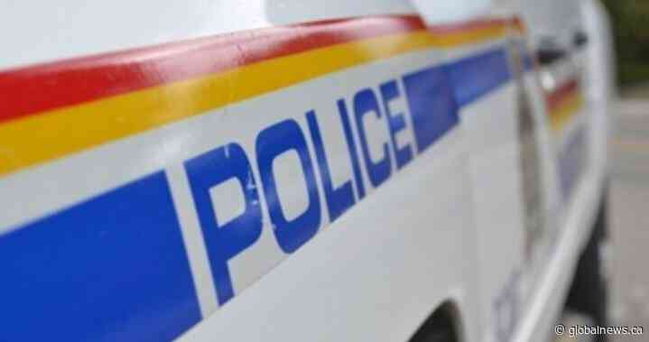 Man wanted on Canada-wide warrant for fraud charges in Gravelbourg, Sask., arrested: RCMP - Global News
