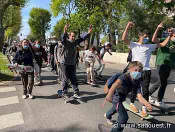 Andernos-les-Bains : les jeunes manifestent pour la réouverture du skatepark - Sud Ouest