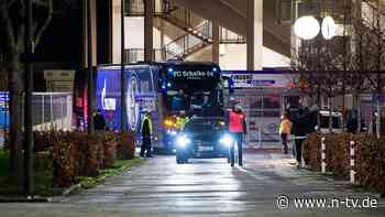 Fehleinschätzung des Vereins?: Asamoah schildert Schalker Gewalt-Horror